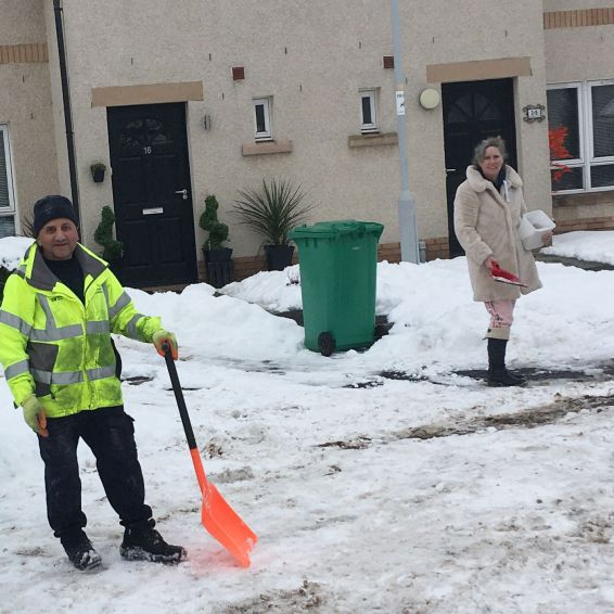 Kilted Alby and neighbours clear snow